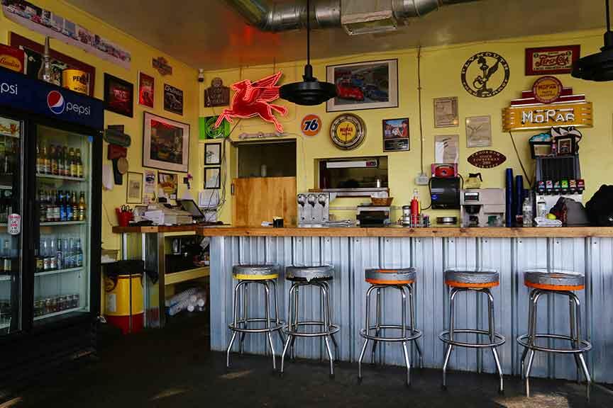 notus garage cafe